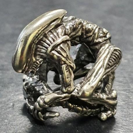 Koralik na paracord M&G Company Alien kolor srebrny LUX